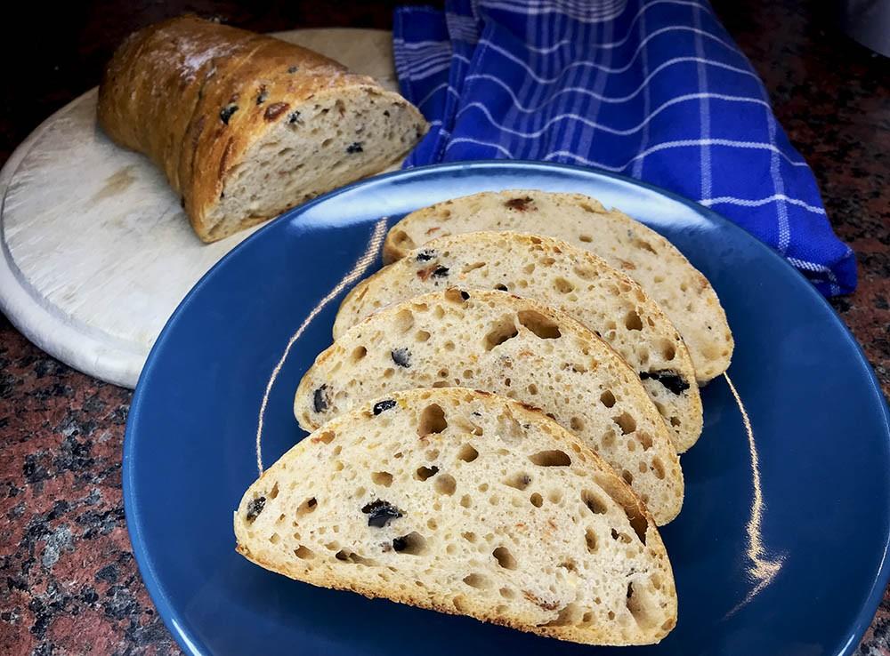kváskový koreňový chlieb