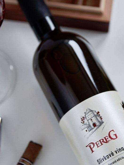 Slivkové víno Pereg 0,75l
