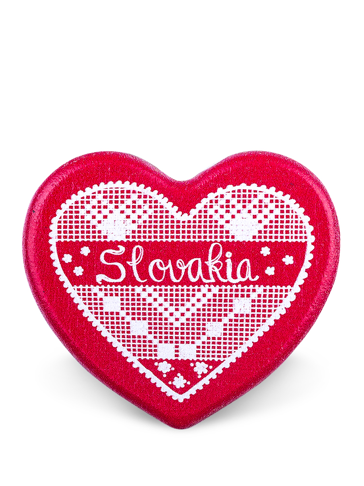 Drevená magnetka Slovakia srdce červená