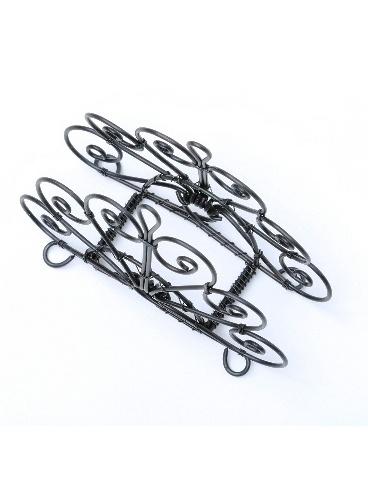Drôtený servítnik