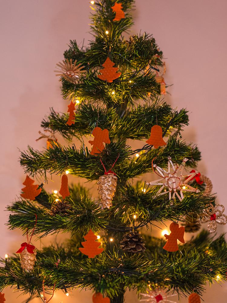 Vianočné ozdoby zo včelieho vosku oranžové 12ks