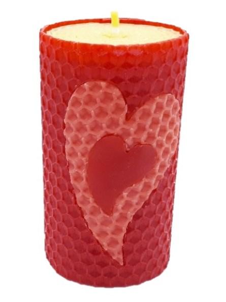 Sviečka včelí vosk červená srdce v srdci 105mm/50mm