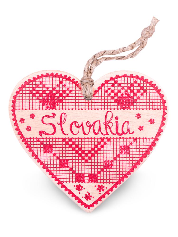 Drevené srdce Slovakia výšivka - natural červené