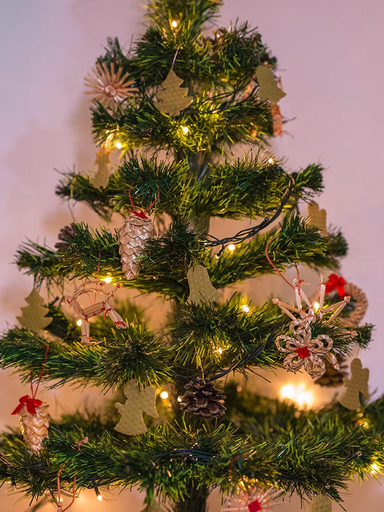 Vianočné ozdoby zo včelieho vosku svetlo zelené 12ks