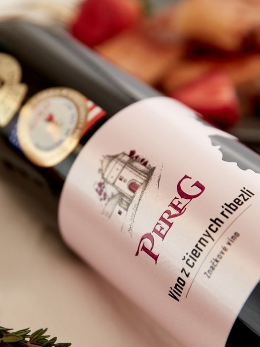 Ríbezľové víno Pereg 0,75l