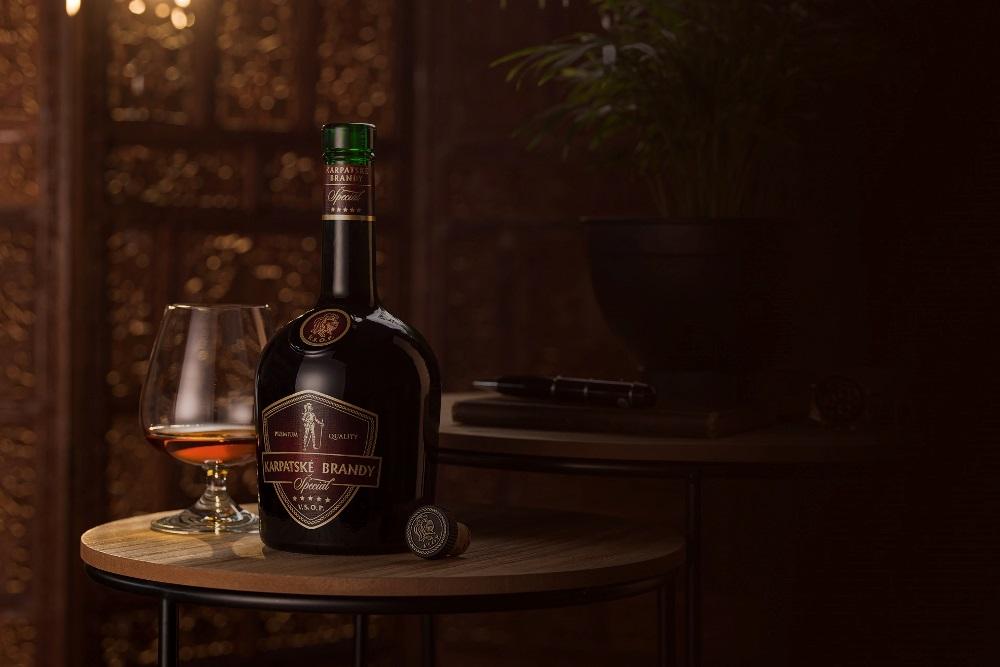 Karpatské brandy ŠPECIÁL kartón 40% 0,7L