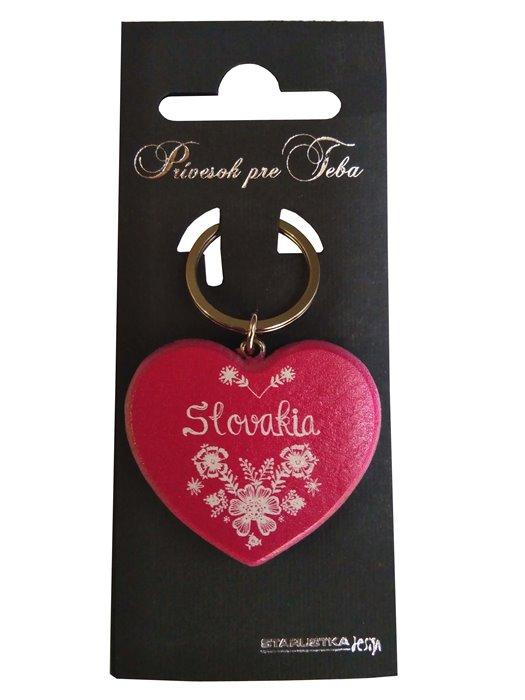 Drevená kľúčenka srdiečko Slovakia ružová