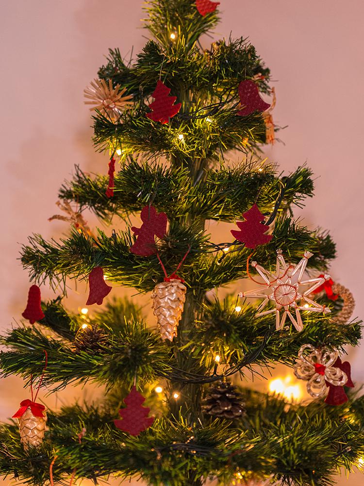 Vianočné ozdoby zo včelieho vosku bordové 12ks