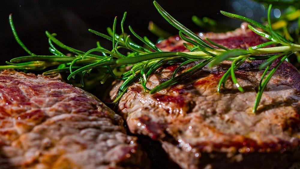 Ako urobiť doma hovädzí steak? Hovädzí steak - recept na delikátny obed.
